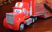 「ねんね」のトラック(カーズのマック)